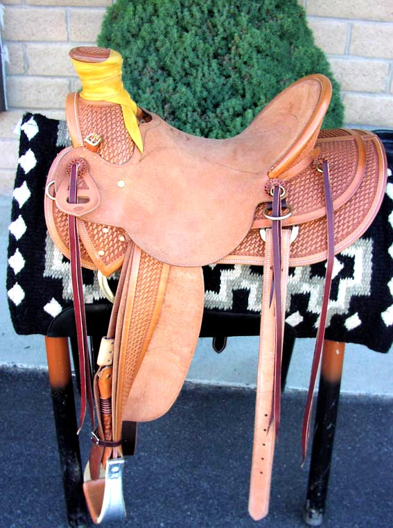 TIPS Custom 3 B Saddle No. 757
